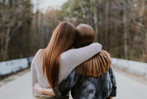 ayudar a un amigo - psicologos barcelona